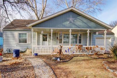 Cass County, Clay County, Platte County, Jackson County, Wyandotte County, Johnson-KS County, Leavenworth County Single Family Home For Sale: 3402 S Home Avenue