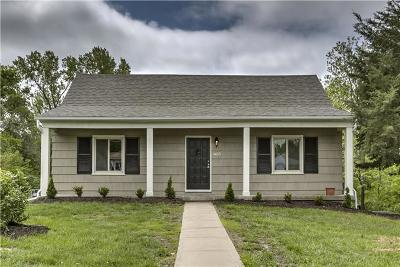 Johnson-KS County Single Family Home For Sale: 6615 W 53rd Street