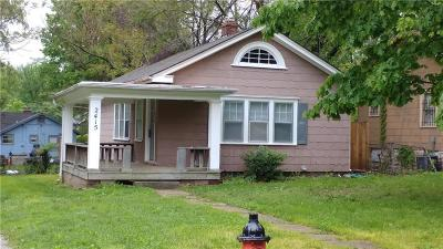 Kansas City Single Family Home For Sale: 2415 E 67th Terrace