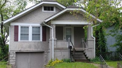 Kansas City Single Family Home For Sale: 7325 Walrond Avenue