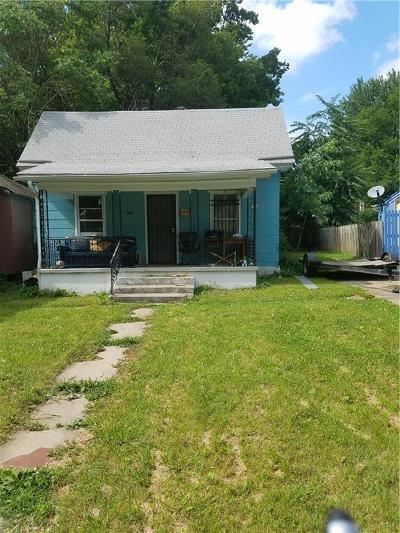 Kansas City Single Family Home For Sale: 3838 Thompson Avenue
