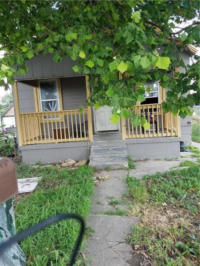 Kansas City Single Family Home For Sale: 921 N Monroe Avenue