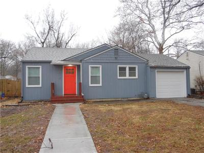 Kansas City Single Family Home For Sale: 7612 Locust Street