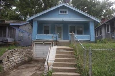 Kansas City Single Family Home For Sale: 2905 E 51 Street