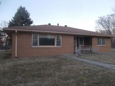 Kansas City Single Family Home For Sale: 2845 N 83 Street