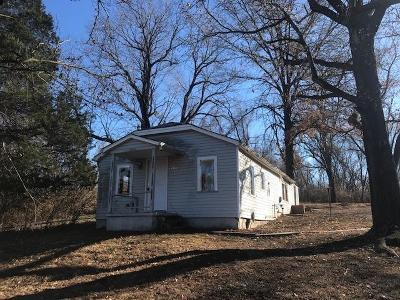 Kansas City Single Family Home Auction: 9311 E 47th Street