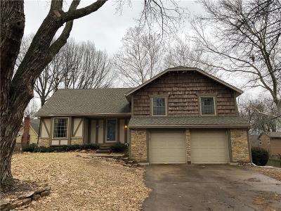 Lenexa Single Family Home For Sale: 8127 Rosehill Road