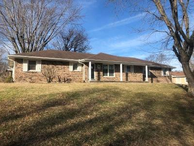 Single Family Home For Sale: 802 N Shaw Street