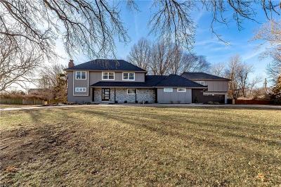 Johnson-KS County Single Family Home For Sale: 11720 W Harmony Lane