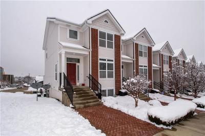 Kansas City Condo/Townhouse For Sale: 1150 E Beacon Hill Lane