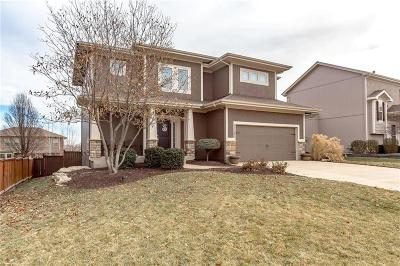 Olathe Single Family Home For Sale: 17285 S Conley Street