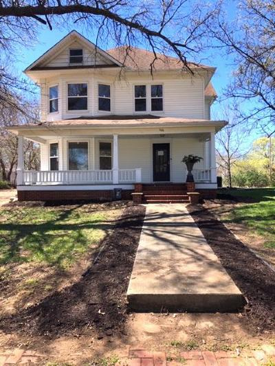 Tonganoxie KS Single Family Home For Sale: $225,000