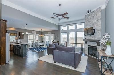 Kansas City Single Family Home For Sale: 10102 NE 103rd Street