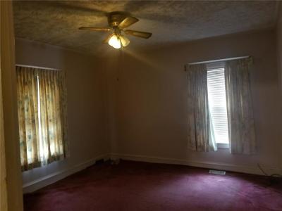 Kansas City Single Family Home For Sale: 4131 Agnes Avenue