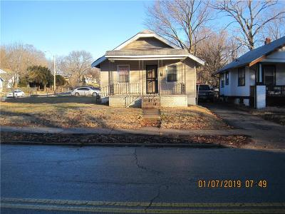 Jackson County Single Family Home For Sale: 2304 E 59th Street