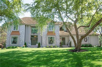 Cass County, Clay County, Platte County, Jackson County, Wyandotte County, Johnson-KS County, Leavenworth County Single Family Home For Sale: 12901 Mohawk Circle
