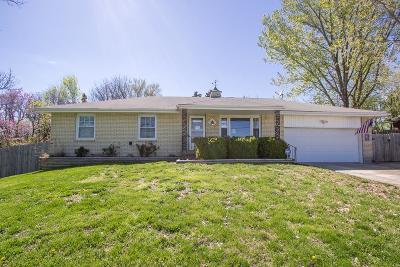 Bonner Springs Single Family Home For Sale: 350 S 122nd Street