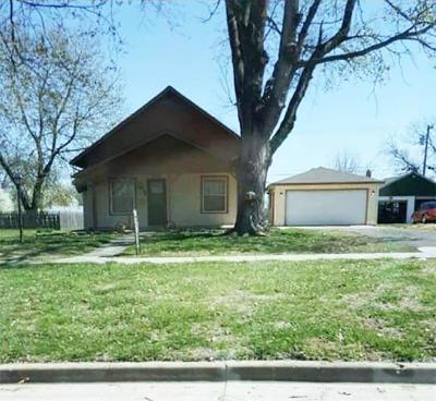 Ottawa Single Family Home For Sale: 513 S Cherry Street