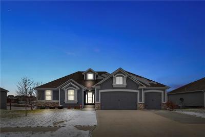 Oak Grove Single Family Home For Sale: 902 SW Powell Drive