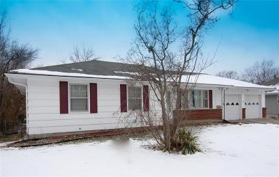 Lee's Summit Single Family Home For Sale: 201 NW Obrien Road