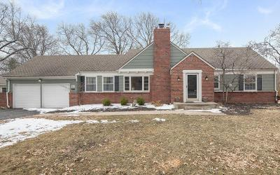 Leawood Single Family Home For Sale: 9401 Meadow Lane