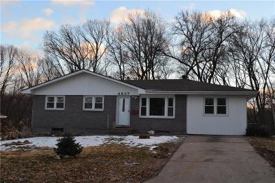 Kansas City Single Family Home For Sale: 4537 NE 56th Street