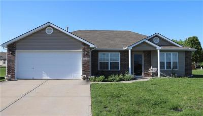 Raymore Single Family Home For Sale: 1012 Seminole Court