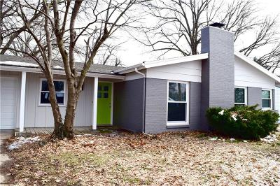 Overland Park Single Family Home For Sale: 8741 Maple Drive