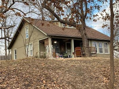 Kansas City Single Family Home For Sale: 5510 NE Russell Road