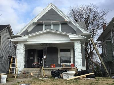 Kansas City Single Family Home For Sale: 2431 Myrtle Avenue