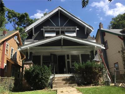 Kansas City Single Family Home For Sale: 3625 Agnes Avenue