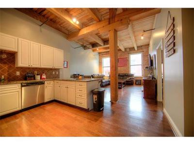 Kansas City Condo/Townhouse Show For Backups: 612 Central Street #306