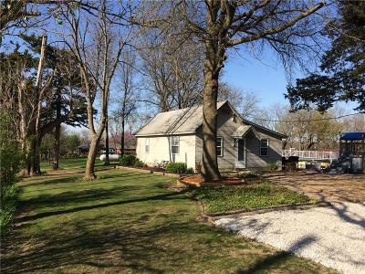 Grain Valley Single Family Home For Sale: 10101 S Perdue Road