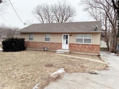 Kansas City Single Family Home For Sale: 4209 N Brighton Avenue