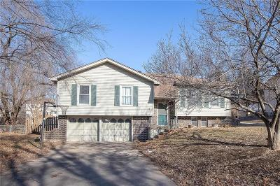 Lansing KS Single Family Home Show For Backups: $159,000