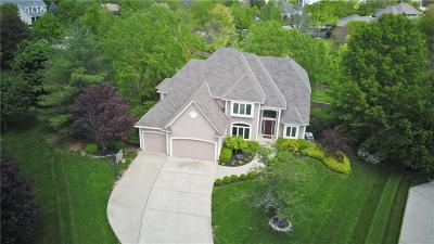 Lee's Summit Single Family Home For Sale: 2404 NE Cross Creek Lane