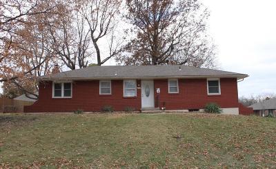 Lee's Summit Single Family Home For Sale: 812 NE Coronado Avenue