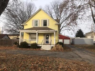 Buckner Single Family Home For Sale: 112 S Sibley Street
