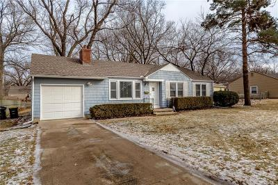 Overland Park Single Family Home For Sale: 8710 W 82nd Terrace