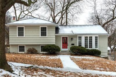 Merriam Single Family Home For Sale: 8809 W 72nd Street