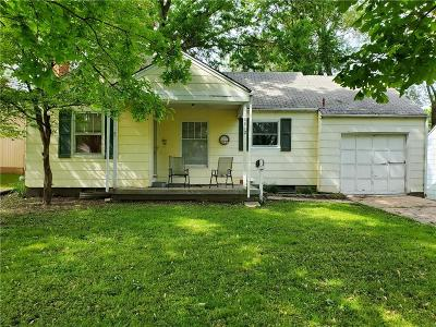 Raytown Single Family Home For Sale: 10812 E 57th Terrace