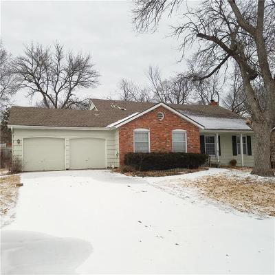 Overland Park Single Family Home For Sale: 9108 W 90th Street