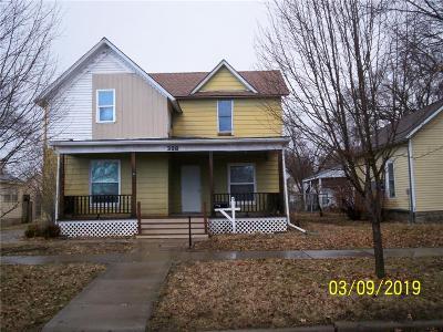 Paola Single Family Home For Sale: 308 W Wea Street