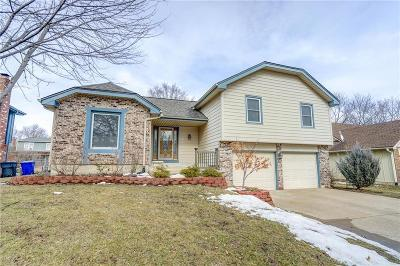 Olathe Single Family Home For Sale: 1424 E Frontier Lane