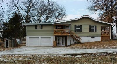 Kansas City Single Family Home For Sale: 4620 NE Kelsey Road