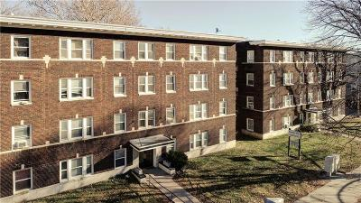 Kansas City Multi Family Home For Sale: 301 N Gladstone Boulevard