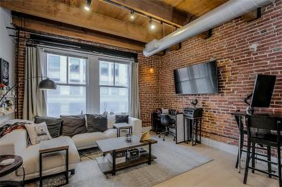 Kansas City Condo/Townhouse For Sale: 706 Broadway #402 Street #402