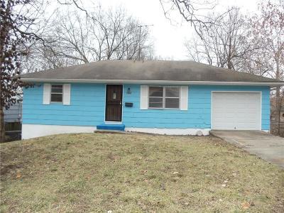 Jackson County Single Family Home For Sale: 6925 Indiana Avenue