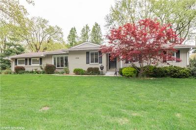 Overland Park Single Family Home For Sale: 3716 W 98th Street