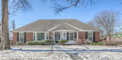 Prairie Village Single Family Home For Sale: 9302 Roe Avenue
